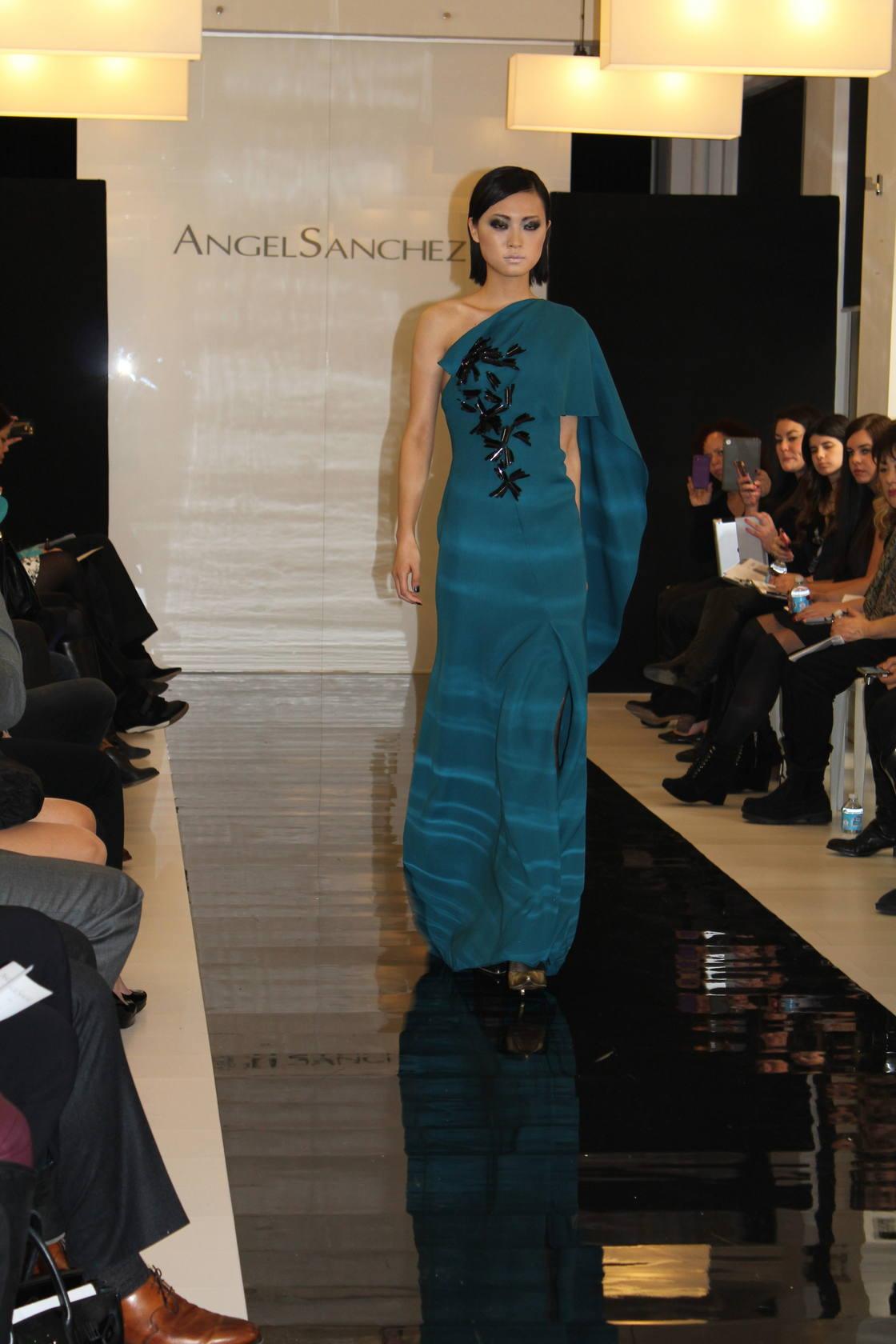 Donostia inspira al modisto Ángel Sánchez