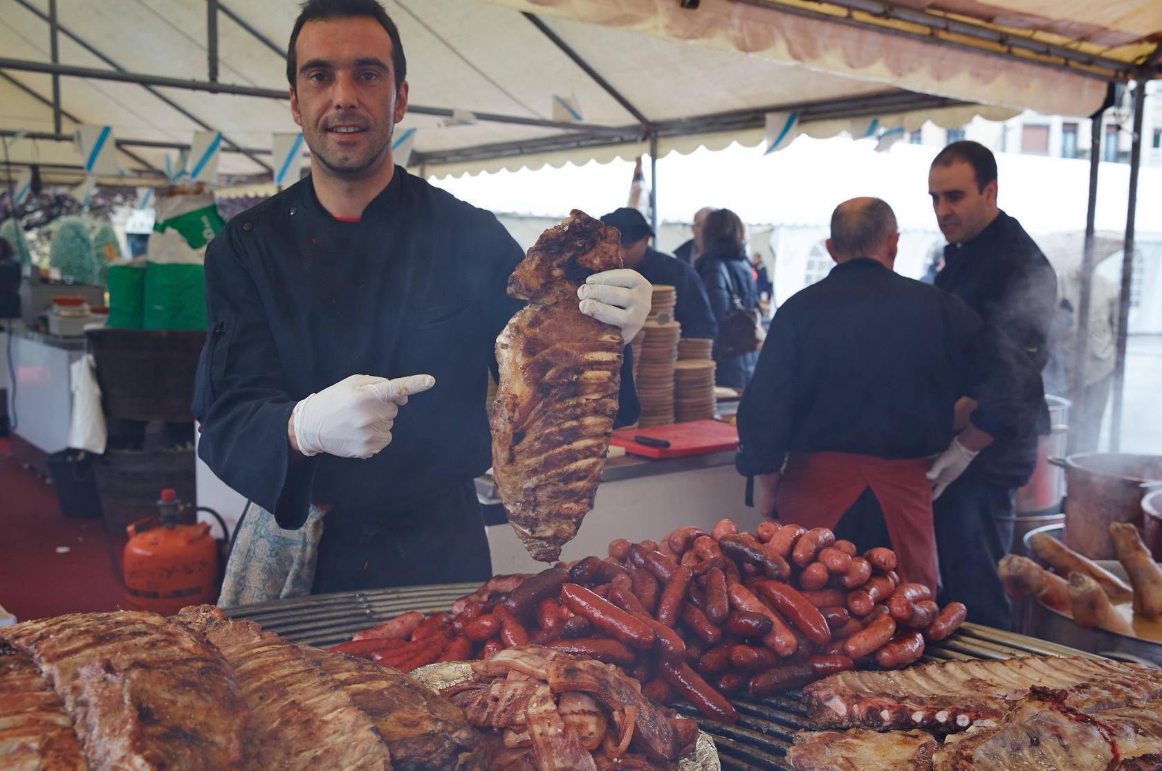 Fiesta con sabor gallego en la plaza Easo